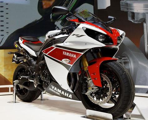 Yamaha R1 2